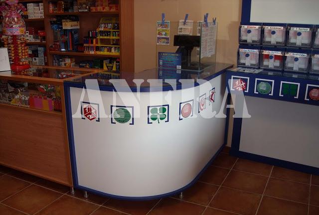 Mostrador curvo para administraciones de loterías